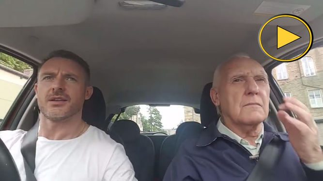 Un anciano británico con alzheimer se vuelve viral tras recuperar la memoria con la música
